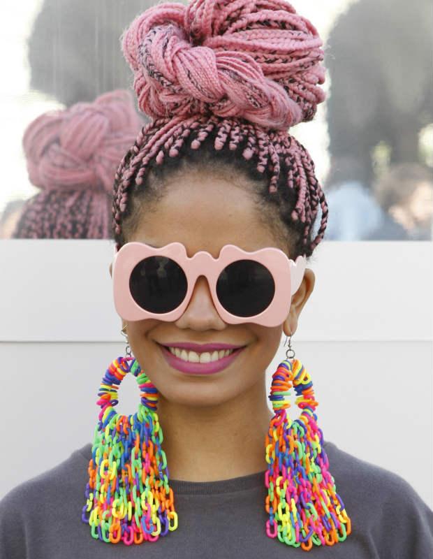 box-braids-colors-pink-high-bun
