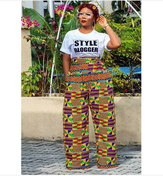 How To Style Graphic Tee Like A Fashionista