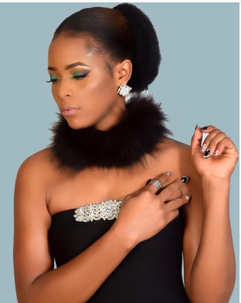 Dayna Nyange & Nandy Rocking Faux Fur Choker