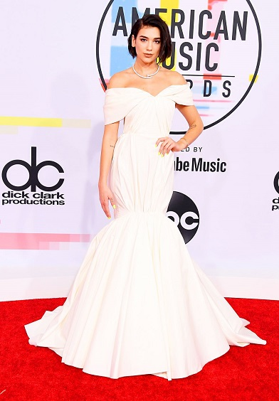 Worst Best Looks From The 2018 American Music Awards Red Carpet