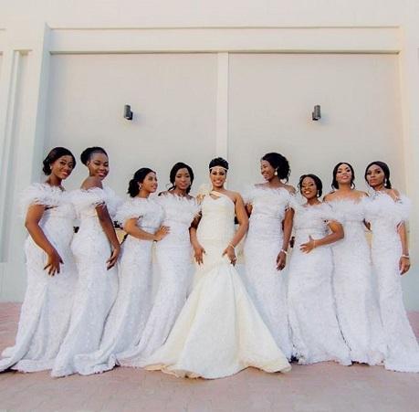 Mbunifu Fifi Sugar Designs Afuata Nyayo Za Kate Middleton Kwa Bride Maids Kuvaa Rangi Nyeupe