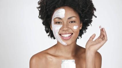 Jinsi Cream Mask Inavyoweza Kukuokoa Na Uzee Wewe mwenye miaka 45+