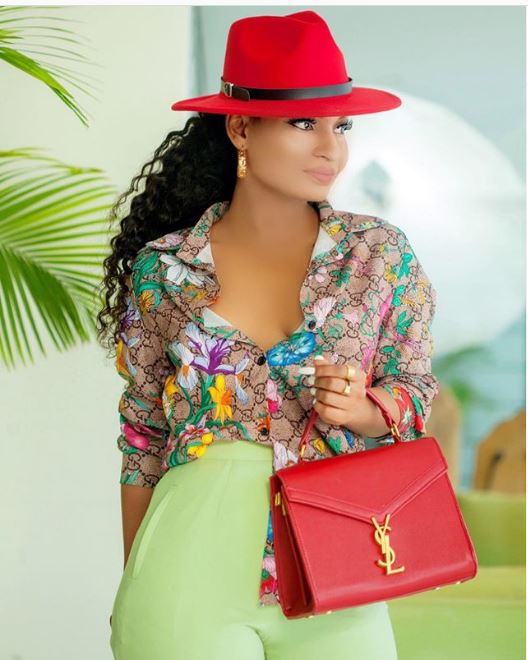 6 Times Fashionista Sishkiki Showed Us How To Rock A Fedora Hat