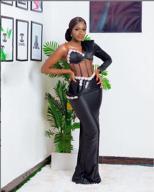 Corset Dress Mshono Unao-Trend Kwa Sasa